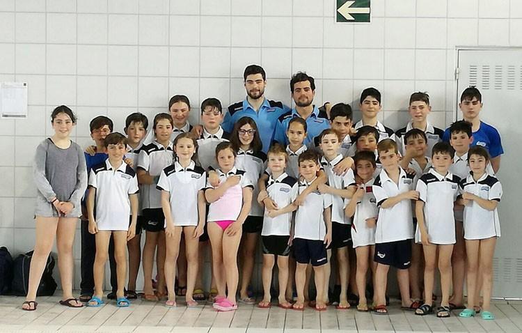 La cantera del Club Natación Utrera participa en la primera jornada del circuito de invierno de la Diputación de Sevilla