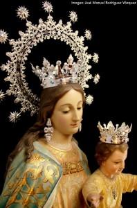 maria auxiliadora con nueva corona