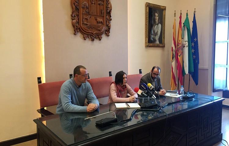 Un convenio con la Unión de Consumidores de Andalucía para ofrecer asesoramiento sobre vivienda