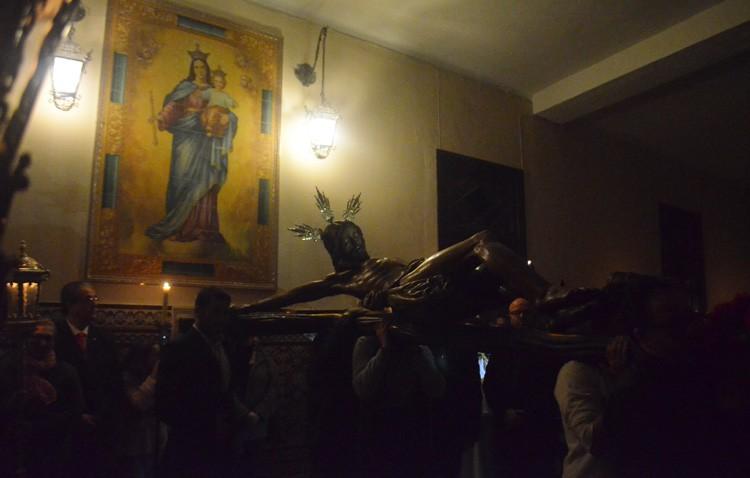 El Cristo del Amor abrió el ciclo de vía crucis cuaresmales (GALERÍA)