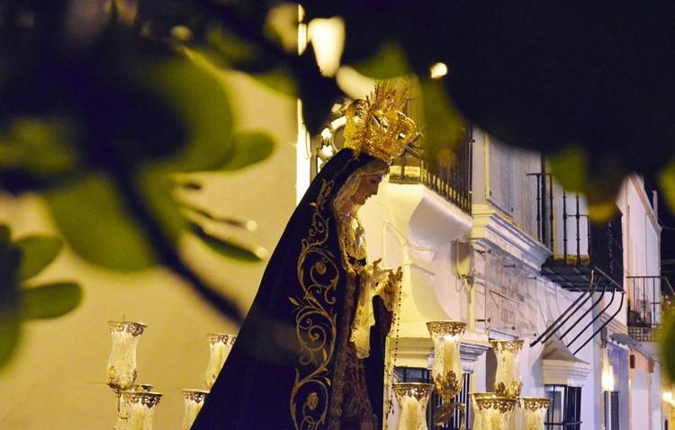 Un cierre brillante a la Cuaresma con la corona dolorosa de la Virgen de las Angustias (GALERÍA)