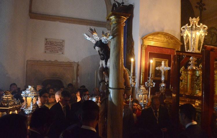 Los Aceituneros organizan el traslado del Señor Atado a la Columna hasta su paso