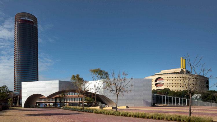 Los titulares del «carné joven» accederán gratuitamente a las exposiciones temporales del CaixaForum de Sevilla