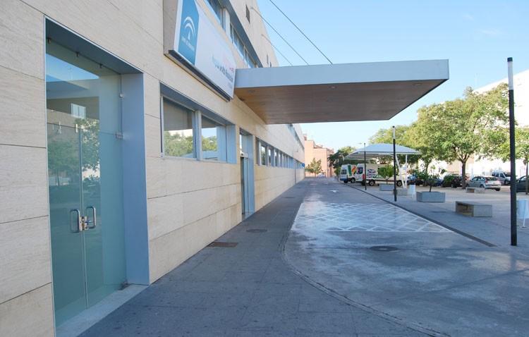 Villalobos defiende que los niños no sean atendidos por un pediatra de urgencias en Utrera, aunque en el CHAR de Écija sí existe