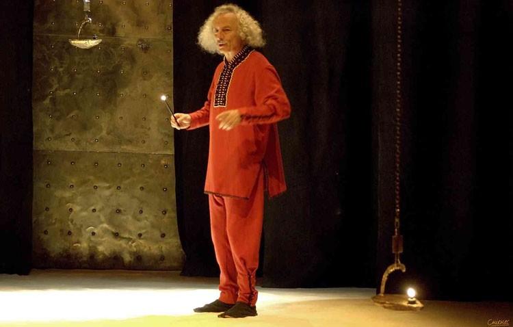 «El Brujo» llega al teatro de Utrera con «Misterios del Quijote»