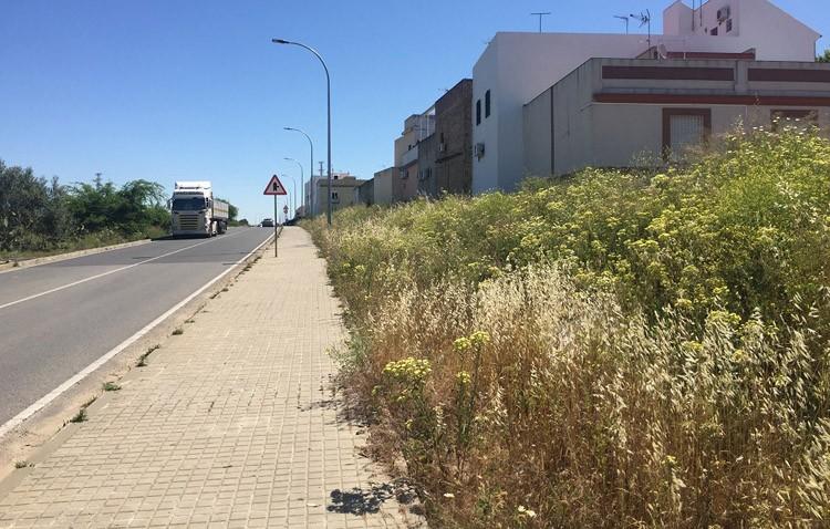 Asfaltado de la calle Torre del Homenaje, nueva zona verde y creación de un carril bici para reurbanizar la ronda norte