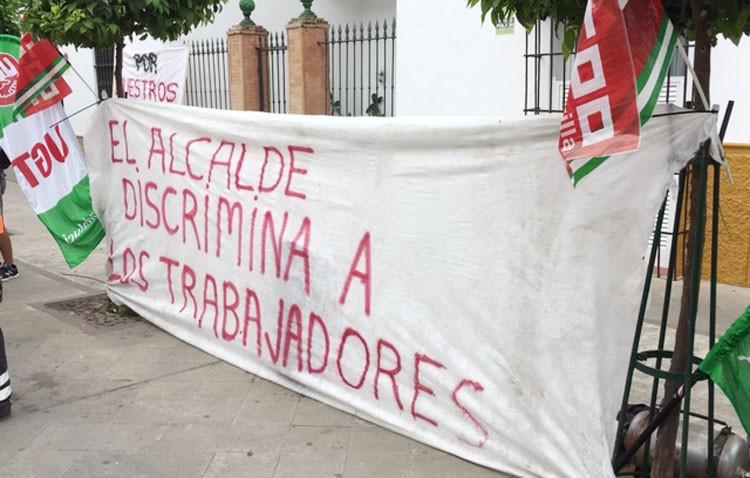 Los sindicatos vuelven a salir a la calle para reclamar a Villalobos que dé marcha atrás a su «reforma laboral»