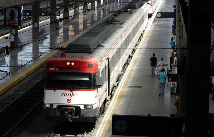 Comisiones Obreras reclama a Renfe que restituya las 2.000 plazas eliminadas de los trenes de Cercanías