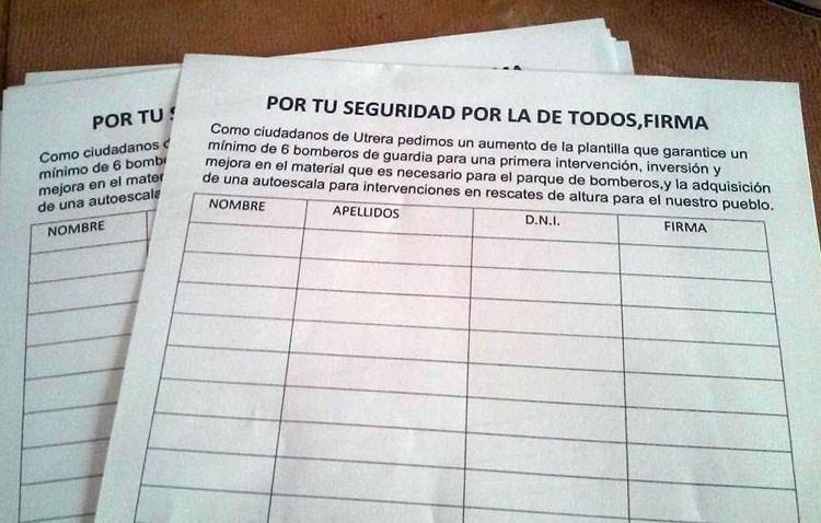 Un utrerano emprende una recogida de firmas para exigir al gobierno local mejoras el servicio de Bomberos