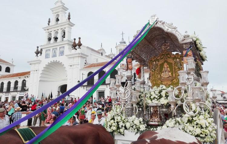 La hermandad del Rocío regresa a Utrera