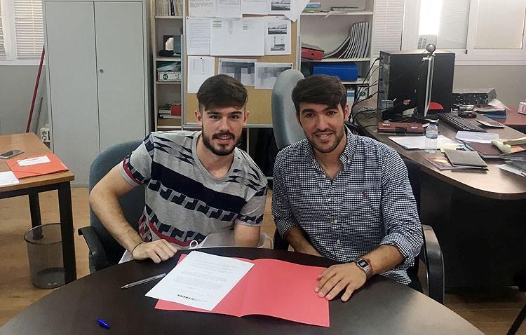 El C.D. Utrera mantiene a Joaquín Holgado en la portería