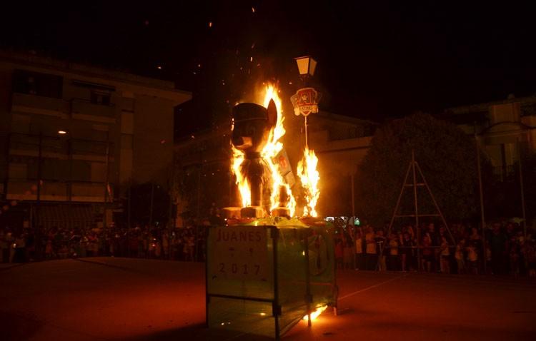 El fuego, protagonista un año más de la fiesta de Los Juanes
