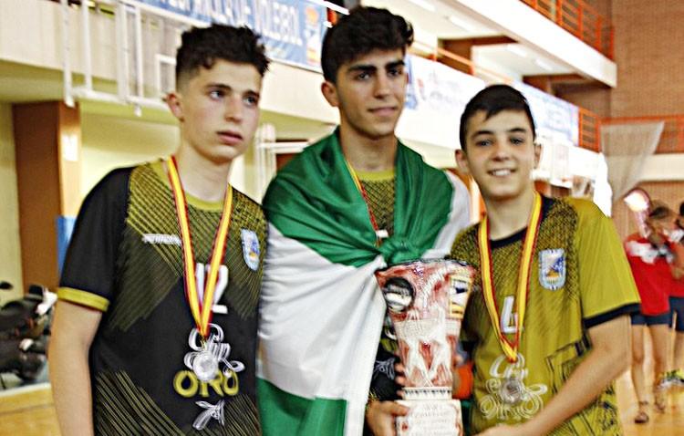 Tres utreranos, subcampeones de España de voleibol cadete