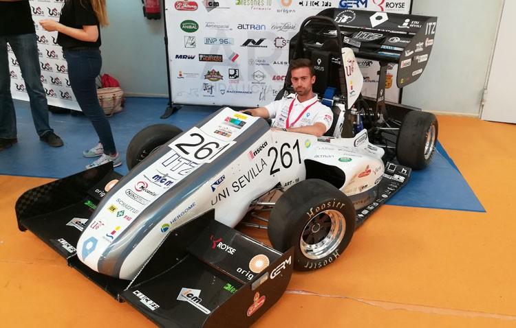 Un joven utrerano participa en el diseño de un coche de competición