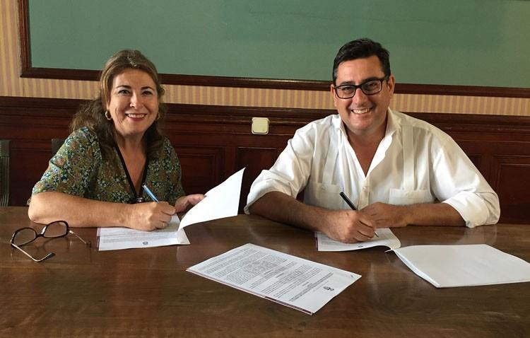«Acéptalos» renueva su convenio anual de colaboración con el Ayuntamiento