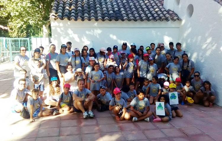 Medio centenar de niños en riesgo de exclusión social disfrutan de vacaciones gracias a Aldaba y a Mujeres de Santiago