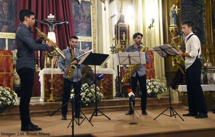 El cuarteto de saxofones «ProQ» cerró los actos de la festividad de Santiago con un aplaudido concierto