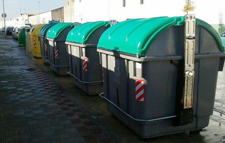 El PP reclama la adaptación de los contenedores de basura y reciclaje a personas con movilidad reducida