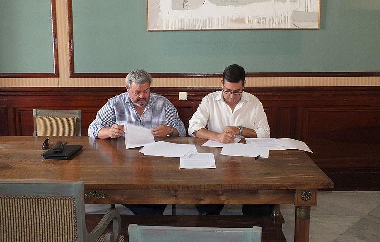 La hermandad de los Gitanos renueva su convenio con el Ayuntamiento para celebrar el Potaje Gitano