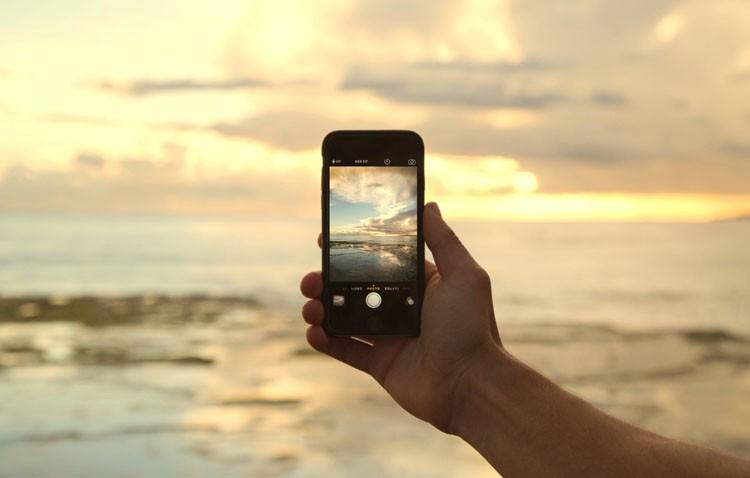 Uno de cada tres jóvenes es adicto al «postureo» en redes sociales durante las vacaciones
