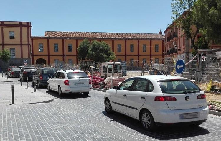 El Ayuntamiento rectifica y restablece el sentido del tráfico en la glorieta Pío XII
