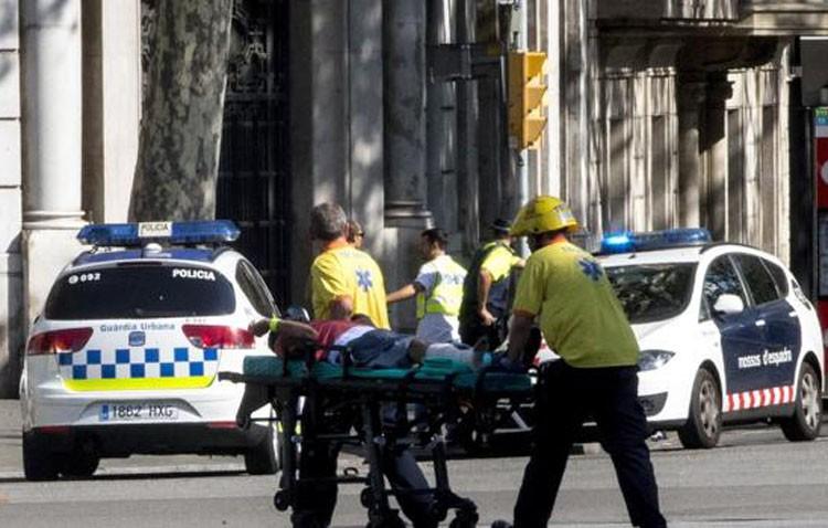 Concentración de repulsa por el atentado terrorista de Barcelona