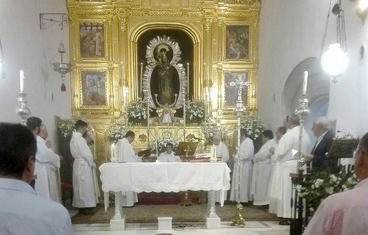 El joven Carlos Romero se estrena como sacerdote en La Puebla de los Infantes