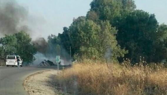 Fallece un varón tras el vuelco y posterior incendio del camión que conducía