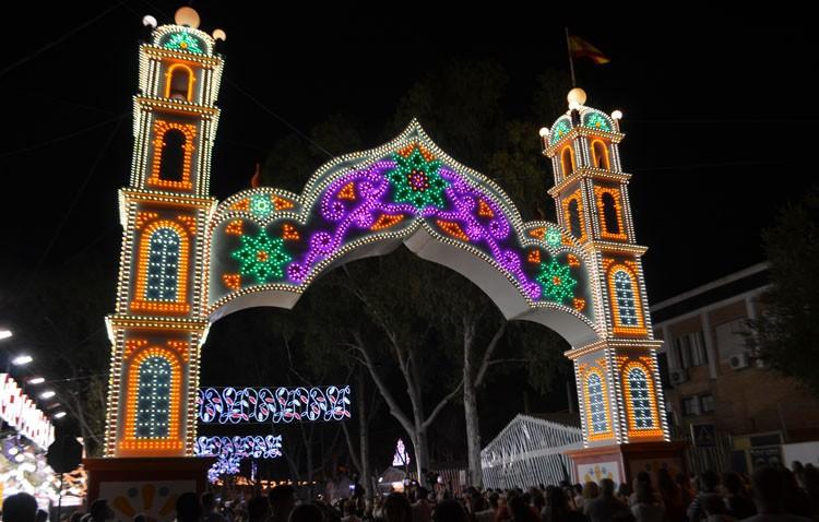 Utrera disfruta ya de su Feria de Consolación (GALERÍA)