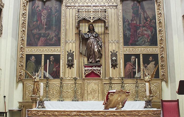 La parroquia de Santiago reabre al culto tras las obras interiores en la cúpula