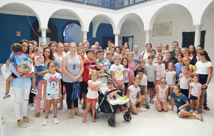 La Junta elimina un profesor del colegio de Pinzón y obliga a los niños de Primaria a repartirse sólo entre dos aulas