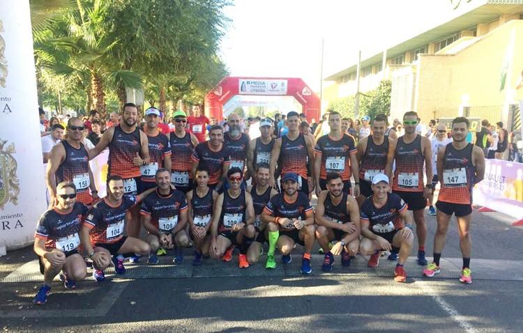 El club «Deporteando por Utrera», presente en la media maratón utrerana