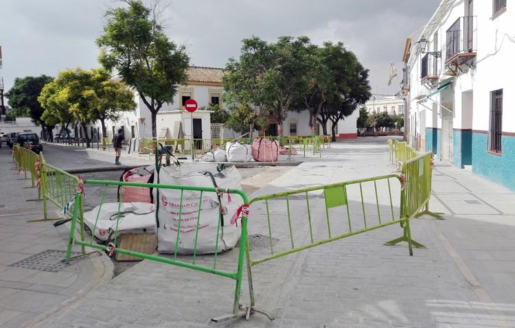 Rechazo vecinal a la propuesta del gobierno municipal de peatonalizar parte de la calle Catalina de Perea