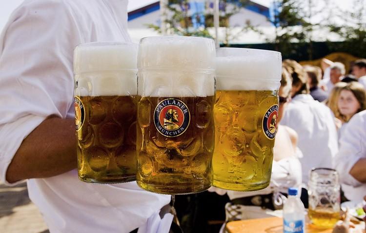 La fiesta de la cerveza «Oktoberfest» llega este fin de semana a la plaza de toros de la mano de la hermandad de los Gitanos