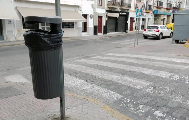 Casi 1.000 papeleras nuevas para las calles de Utrera
