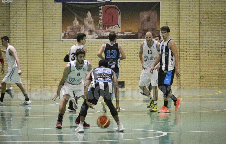 C.B. UTRERA 80 – 81 LA LÍNEA: Un triple sobre la bocina condena el buen trabajo en el segundo período del Club Baloncesto Utrera