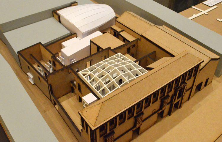 La apertura de la Casa Surga con la instalación de estructuras desmontables abre su plazo de presentación de ofertas