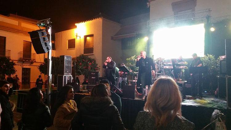 Música y uvas para pasar la Nochevieja en la plaza de Gibaxa