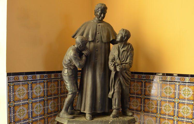La previsión de lluvia pospone la colocación y bendición del monumento de Don Bosco hasta el viernes 2