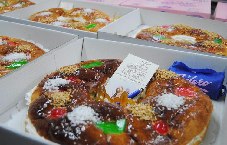 Miles de roscones de reyes con todo tipo de sorprendentes regalos