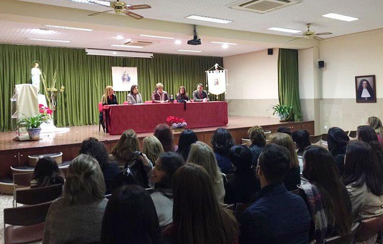 El colegio Sagrada Familia celebra su séptimo encuentro de antiguos alumnos