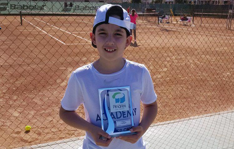 El utrerano David Acosta, vencedor del Circuito Promoción Huelva Tenis