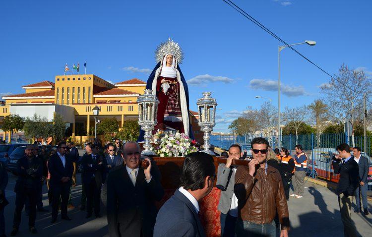 La Virgen de la Amargura amplía su tiempo de visita al geriátrico de La Mulata