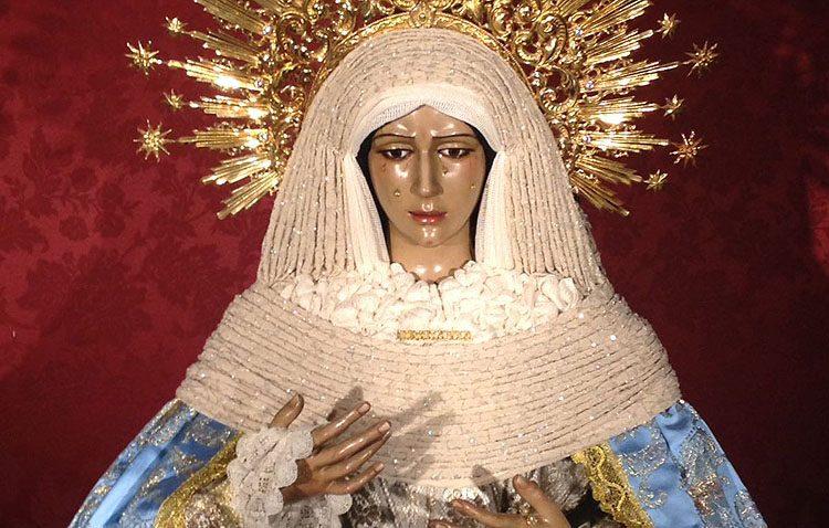 Un cabildo extraordinario en la hermandad de los Gitanos para aprobar la restauración de la Virgen de la Esperanza