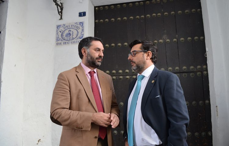 El consejero de Turismo apoya en Utrera el turismo de raíces con el Abate Marchena y la posible sinagoga del Niño Perdido