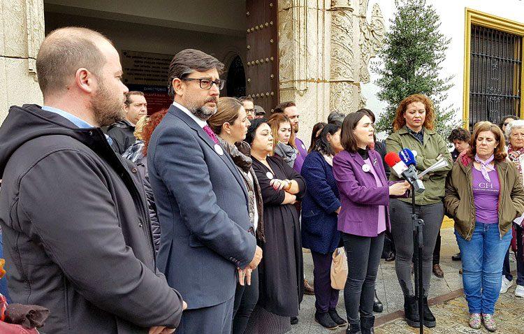 Comisiones Obreras denuncia la «hipocresía» del gobierno de Utrera en el Día de la Mujer y el PP reclama «hechos y no solo gestos»