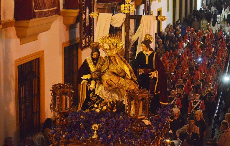 Un comienzo agridulce de la Semana Santa de Utrera (GALERÍAS Y AUDIOS)