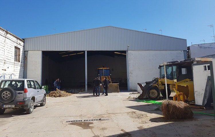 Comienza la obra para acondicionar el almacén municipal de la avenida del Matadero en una sede para las asociaciones