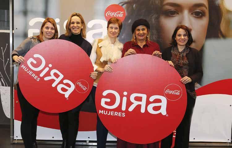 Llega a Utrera la «Gira Mujeres» de Coca Cola como impulso a ideas y proyectos de negocio