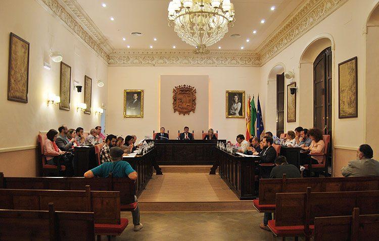 El pleno municipal aprueba los días festivos locales en Utrera para 2019